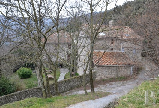 character properties France languedoc roussillon estate cevennes - 8