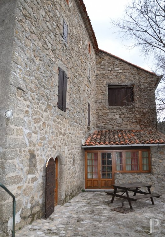 character properties France languedoc roussillon estate cevennes - 4