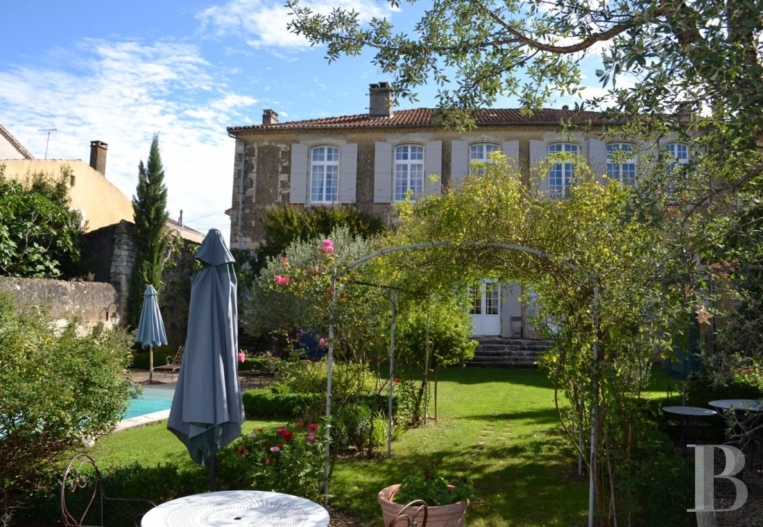 property for sale France midi pyrenees town centre - 1