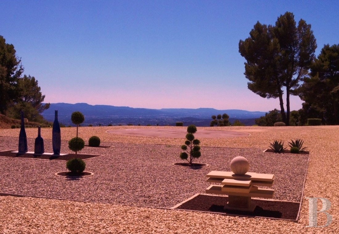 character properties France provence cote dazur luberon nature - 10 mini