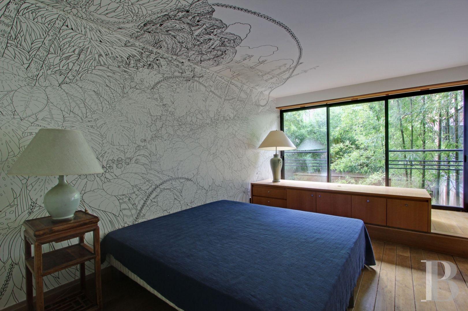 une maison japonaise et son jardin deux pas de la bastille maisons a vendre paris. Black Bedroom Furniture Sets. Home Design Ideas