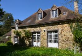 character properties France pays de loire sarthe barn - 2