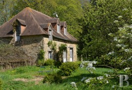 character properties France pays de loire sarthe barn - 3