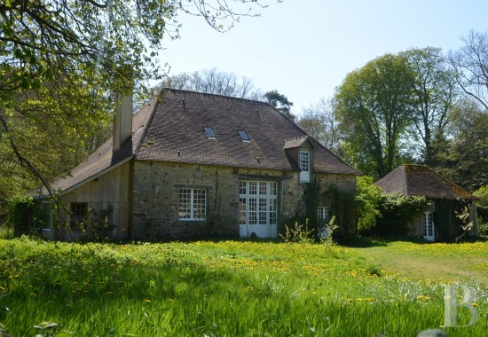 character properties France pays de loire sarthe barn - 1