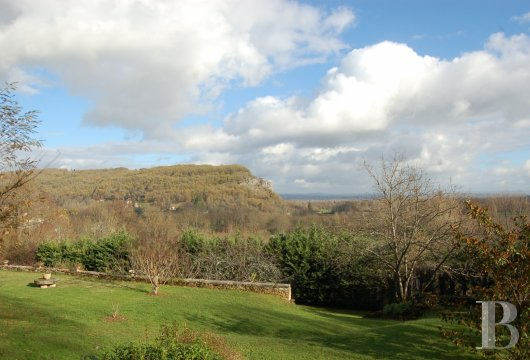 fA chateau with terraces overlooking the Dordogne Valley between Brive, Rocamadour and Sarlat - photo  n°13