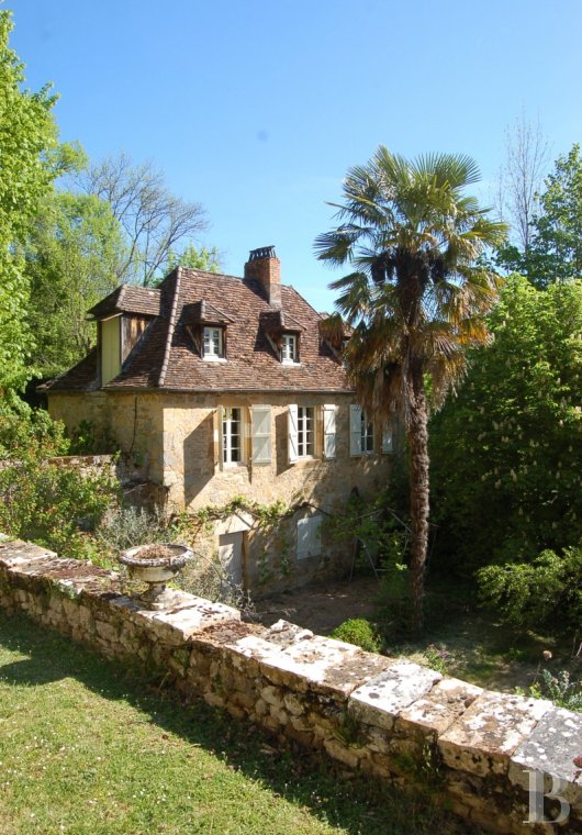 fA chateau with terraces overlooking the Dordogne Valley between Brive, Rocamadour and Sarlat - photo  n°15