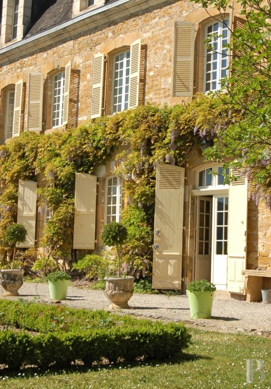 fA chateau with terraces overlooking the Dordogne Valley between Brive, Rocamadour and Sarlat - photo  n°17