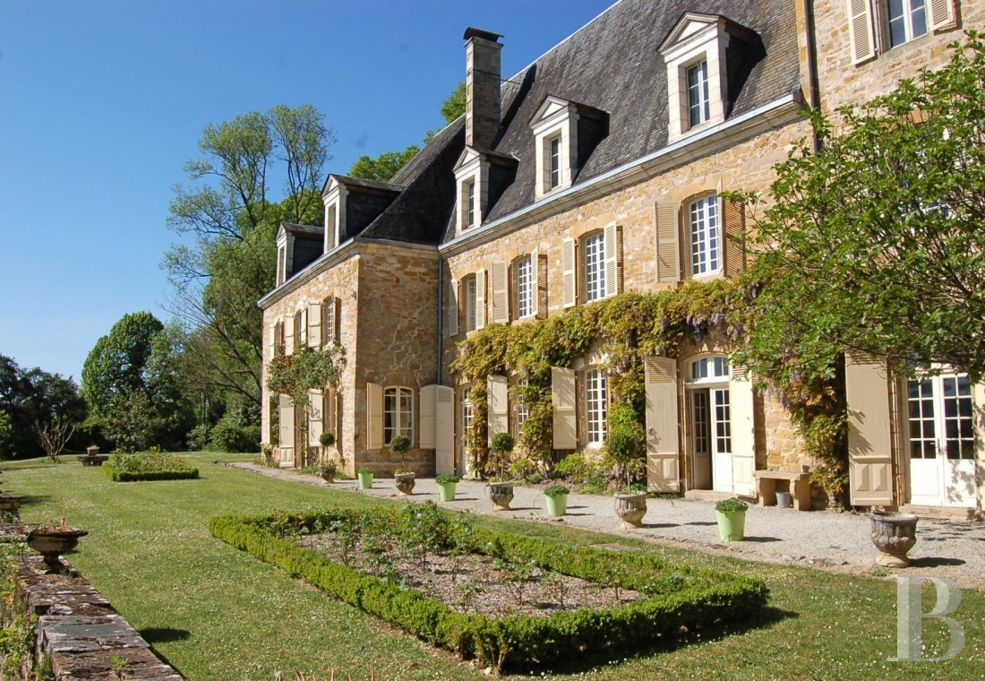 fA chateau with terraces overlooking the Dordogne Valley between Brive, Rocamadour and Sarlat - photo  n°6