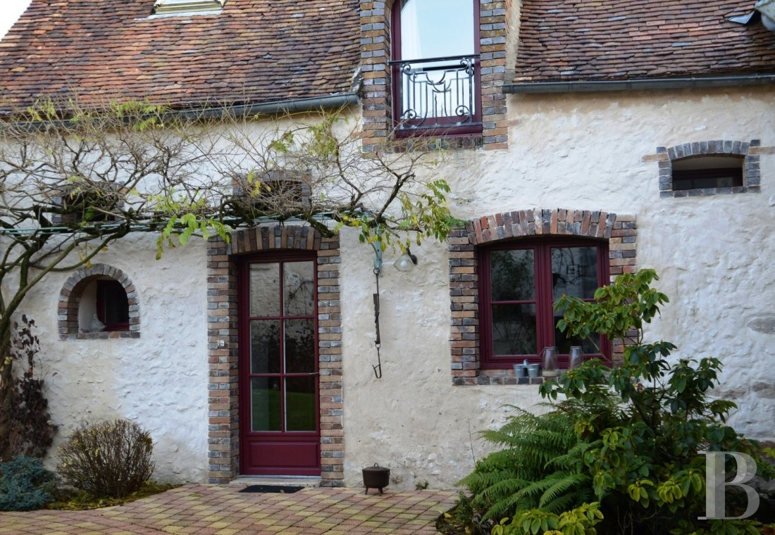 character properties France center val de loire character houses - 10