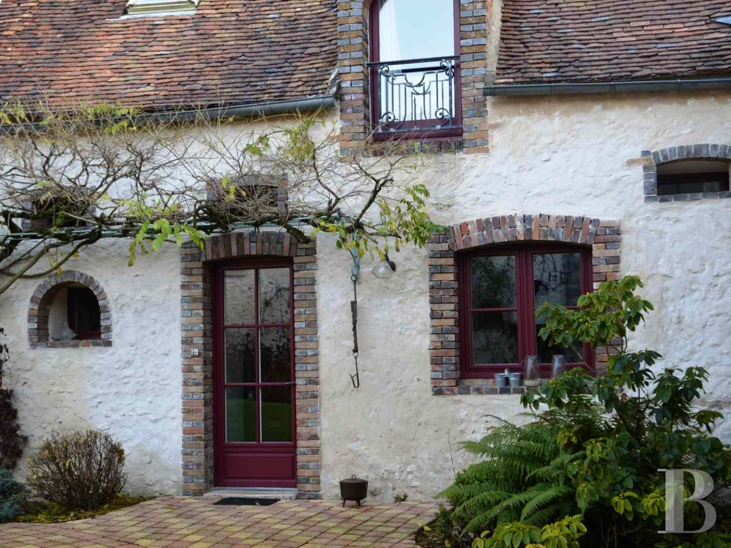 character properties France center val de loire character houses - 10 zoom