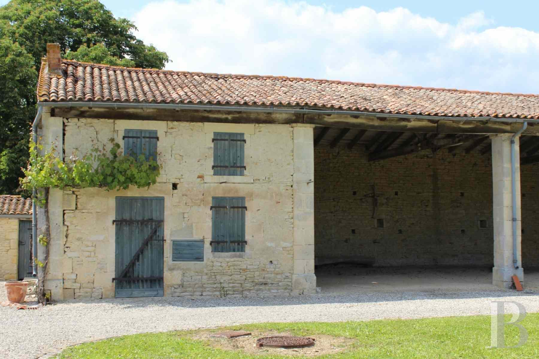 french farms for sale poitou charentes 19th century - 9 zoom