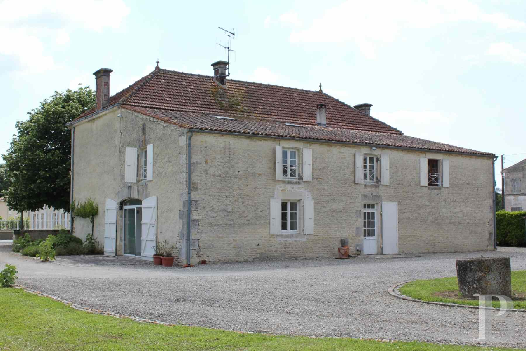 french farms for sale poitou charentes 19th century - 3 zoom
