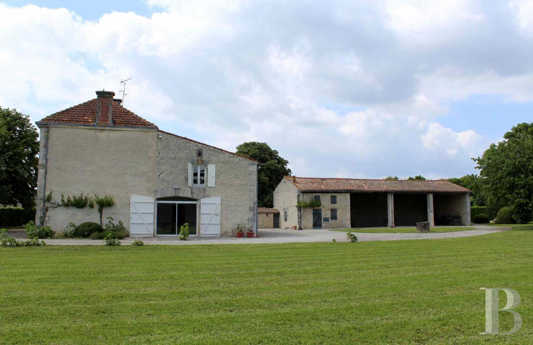 french farms for sale poitou charentes 19th century - 8 zoom