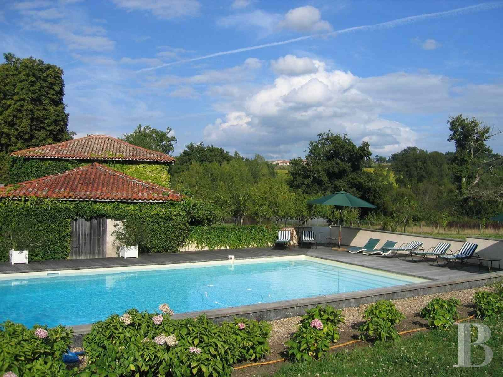 chateaux for sale France poitou charentes angouleme listed - 15 zoom