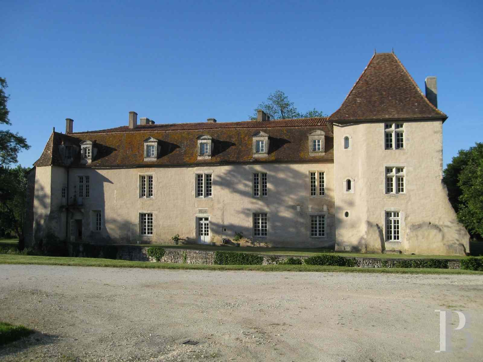 chateaux for sale France poitou charentes angouleme listed - 5 zoom