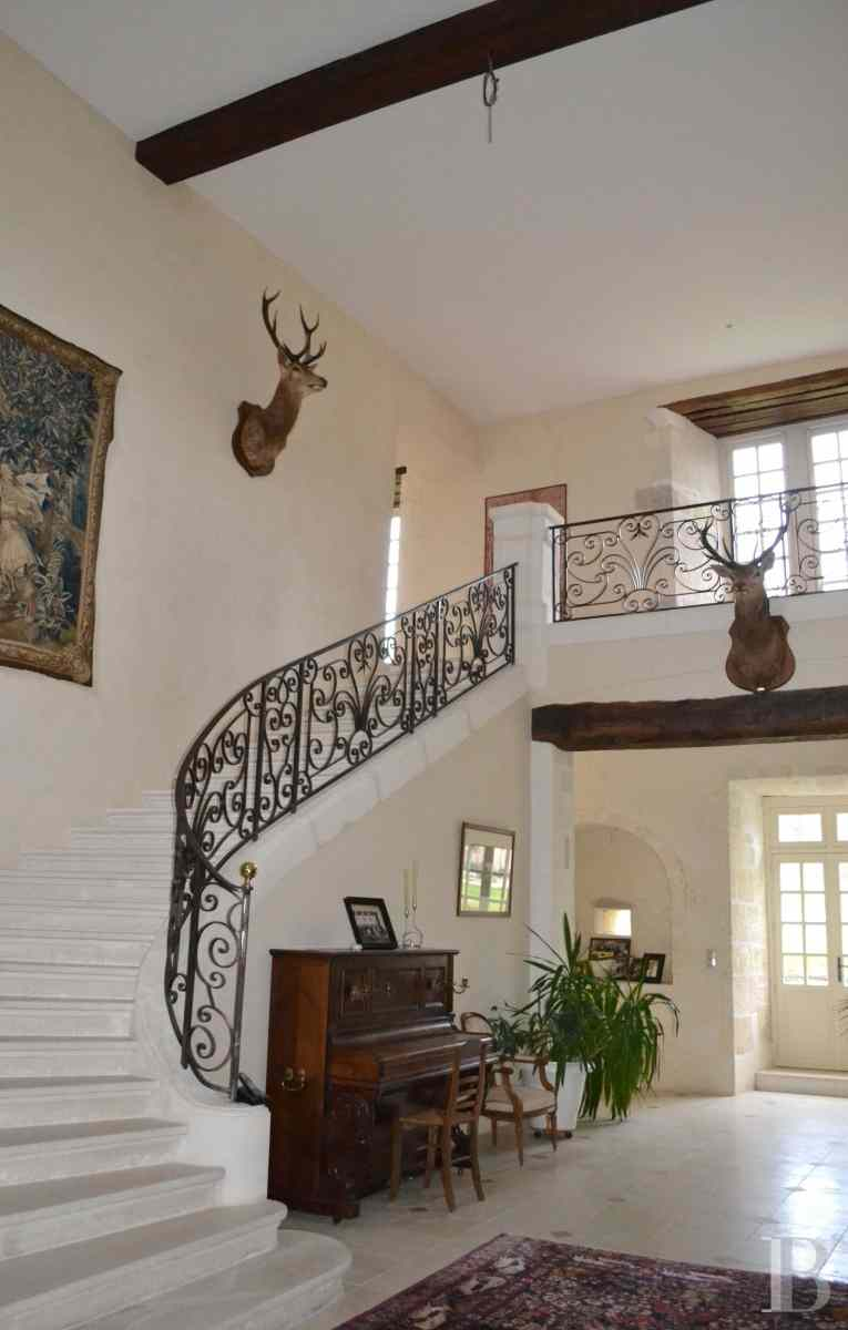 chateaux for sale France poitou charentes angouleme listed - 7 zoom
