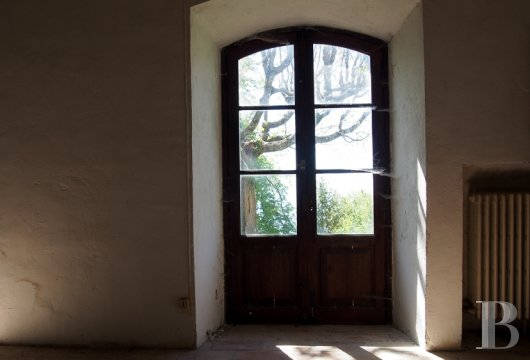 chateaux for sale France provence cote dazur chapel farm - 9 mini
