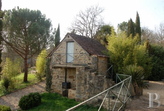 character properties France midi pyrenees hamlet estate - 25