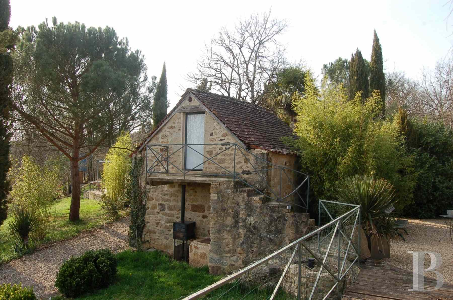 character properties France midi pyrenees hamlet estate - 25 zoom