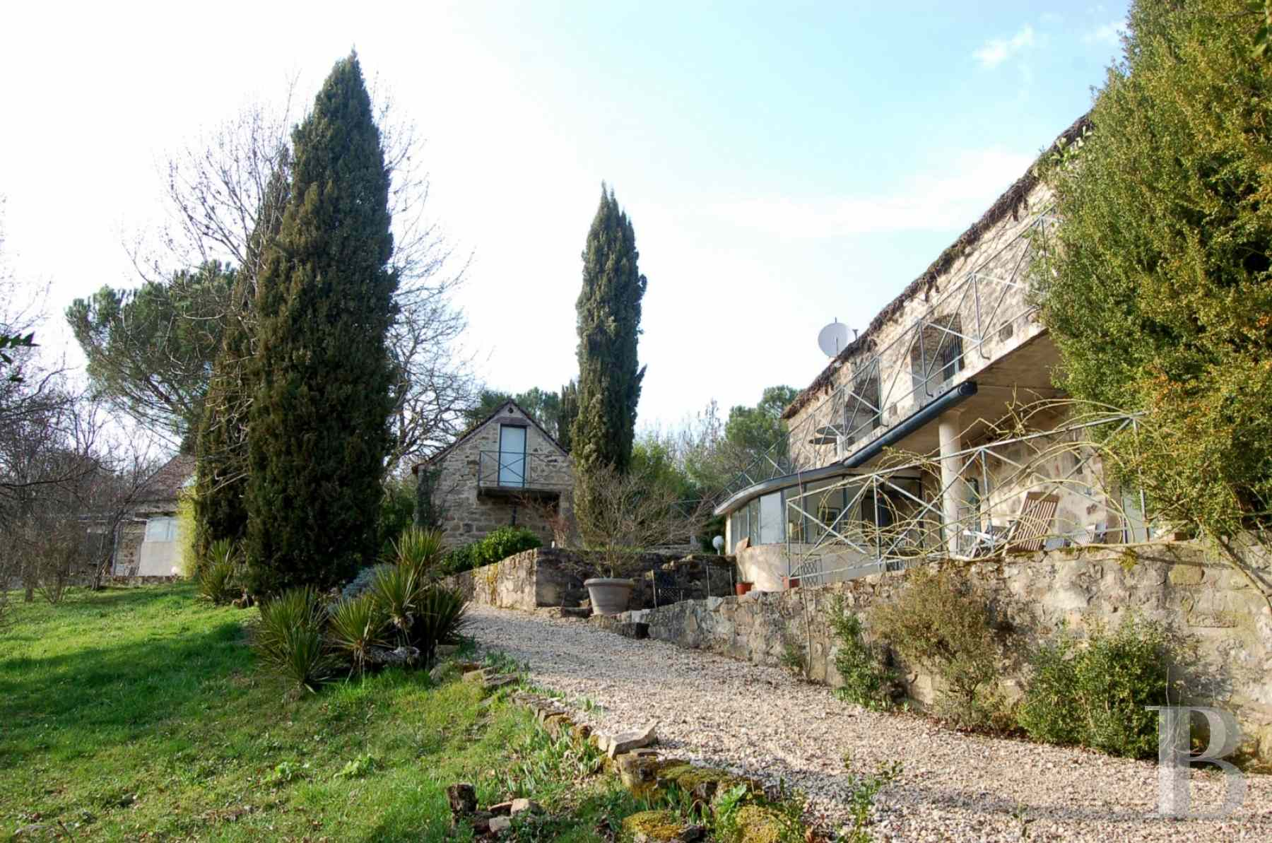 character properties France midi pyrenees hamlet estate - 30 zoom