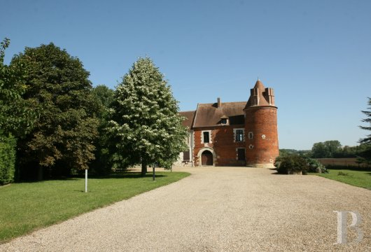chateaux for sale France picardy   - 3