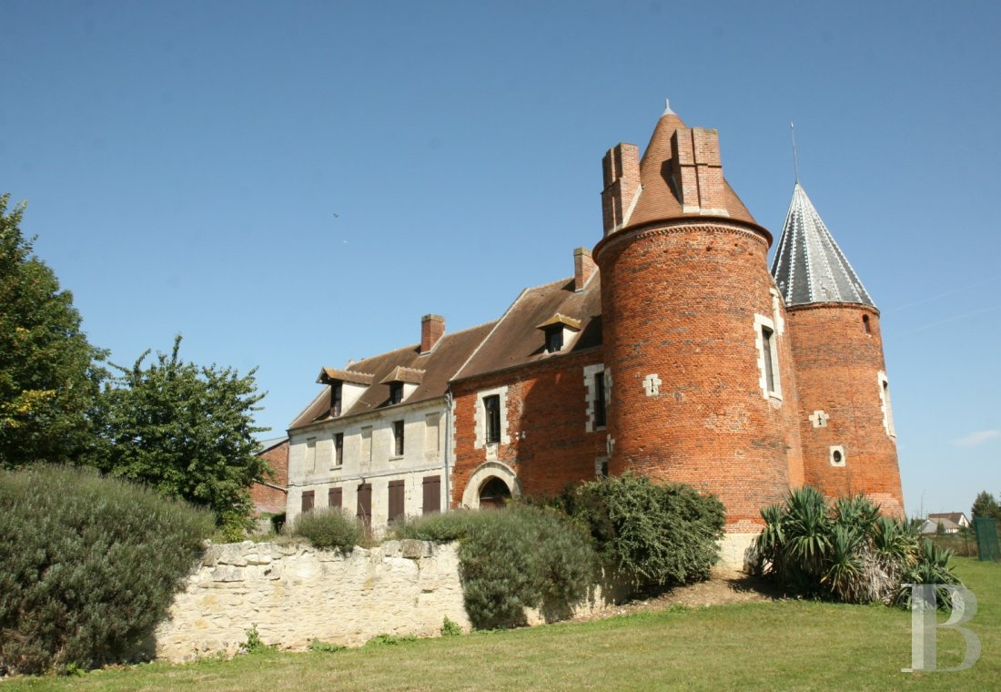 chateaux for sale France picardy   - 1