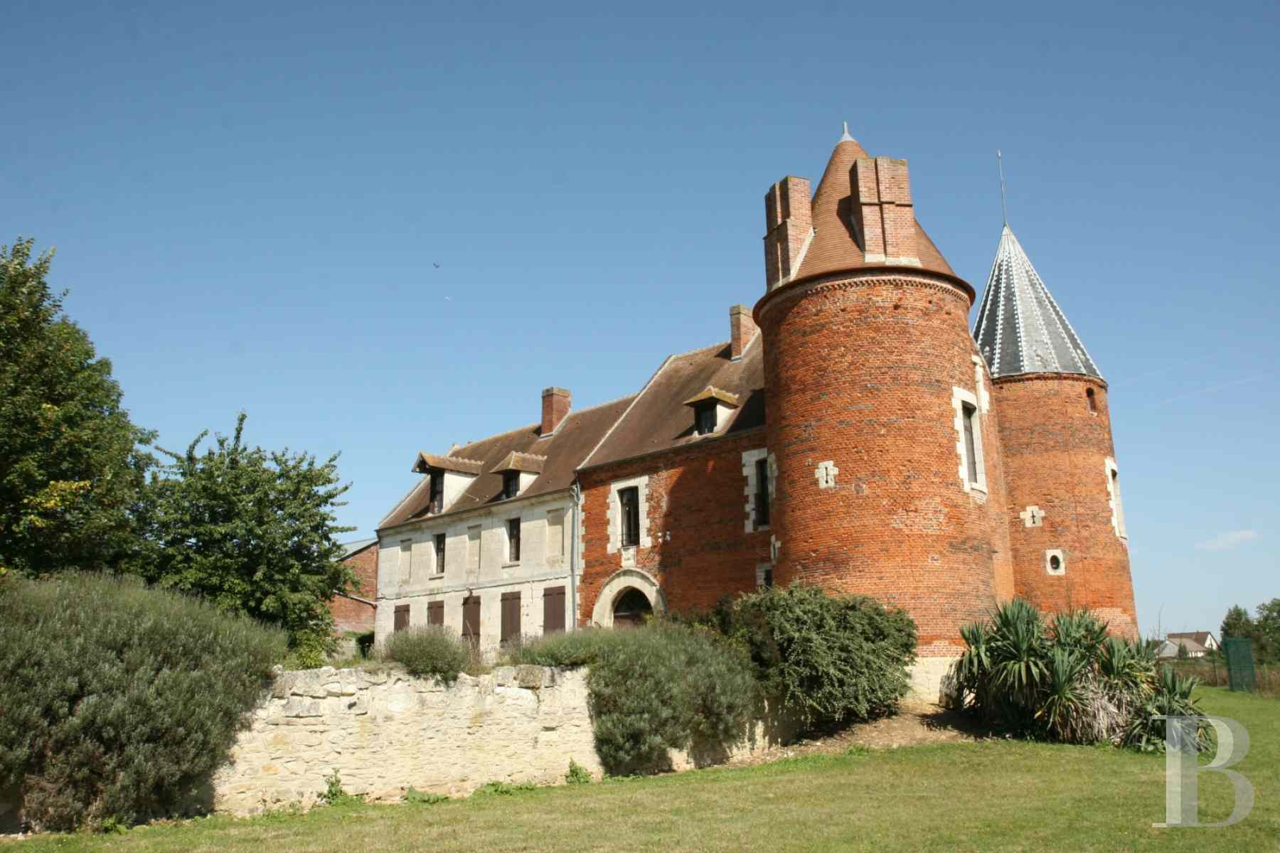 chateaux for sale France picardy castle for - 1 zoom