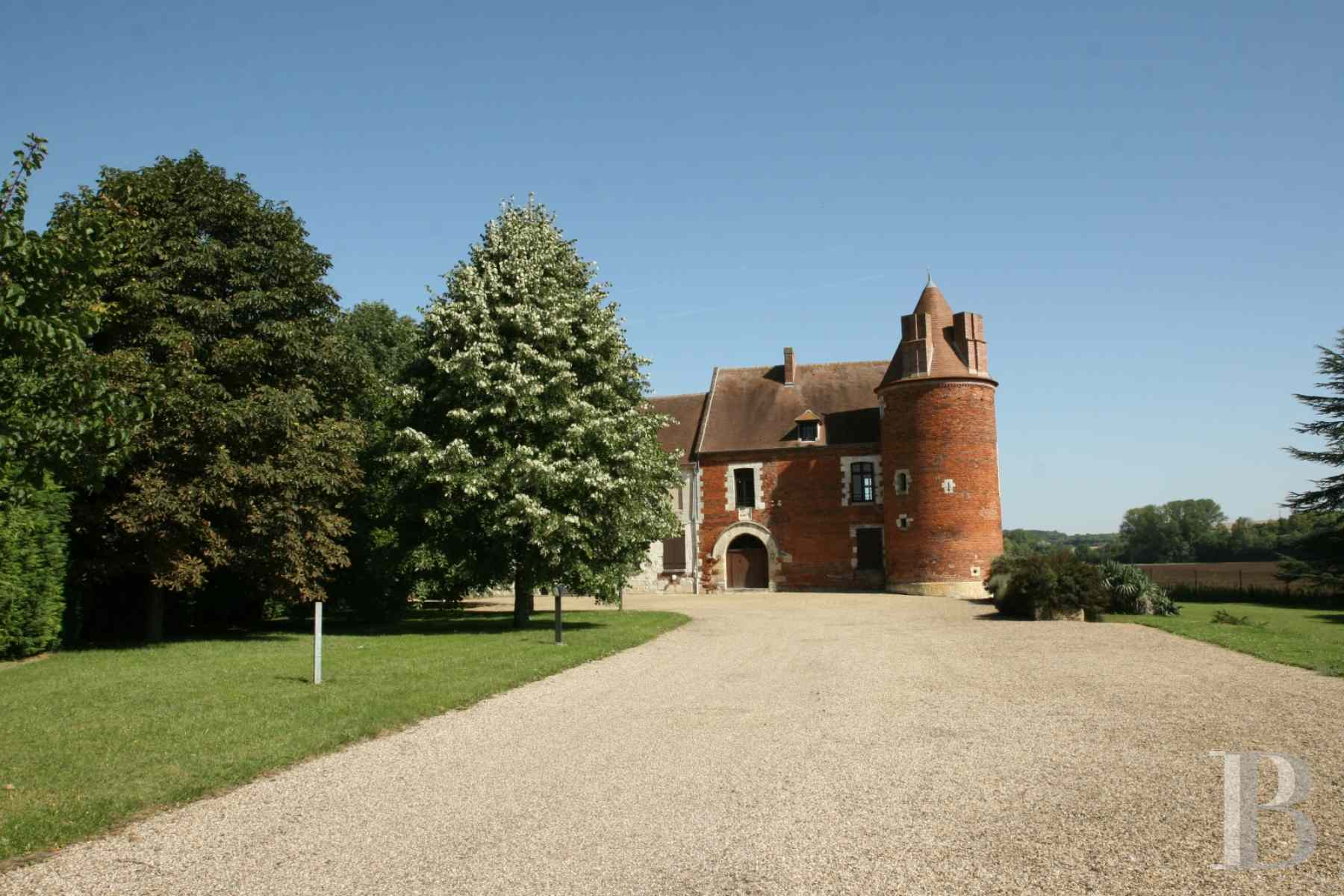 chateaux for sale France picardy castle for - 3 zoom