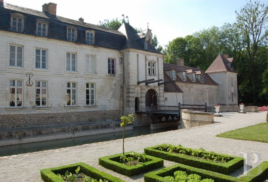 chateaux for sale France champagne ardennes   - 10