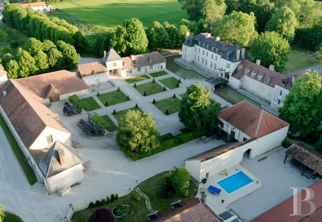 chateaux for sale France champagne ardennes 16th 18th - 1