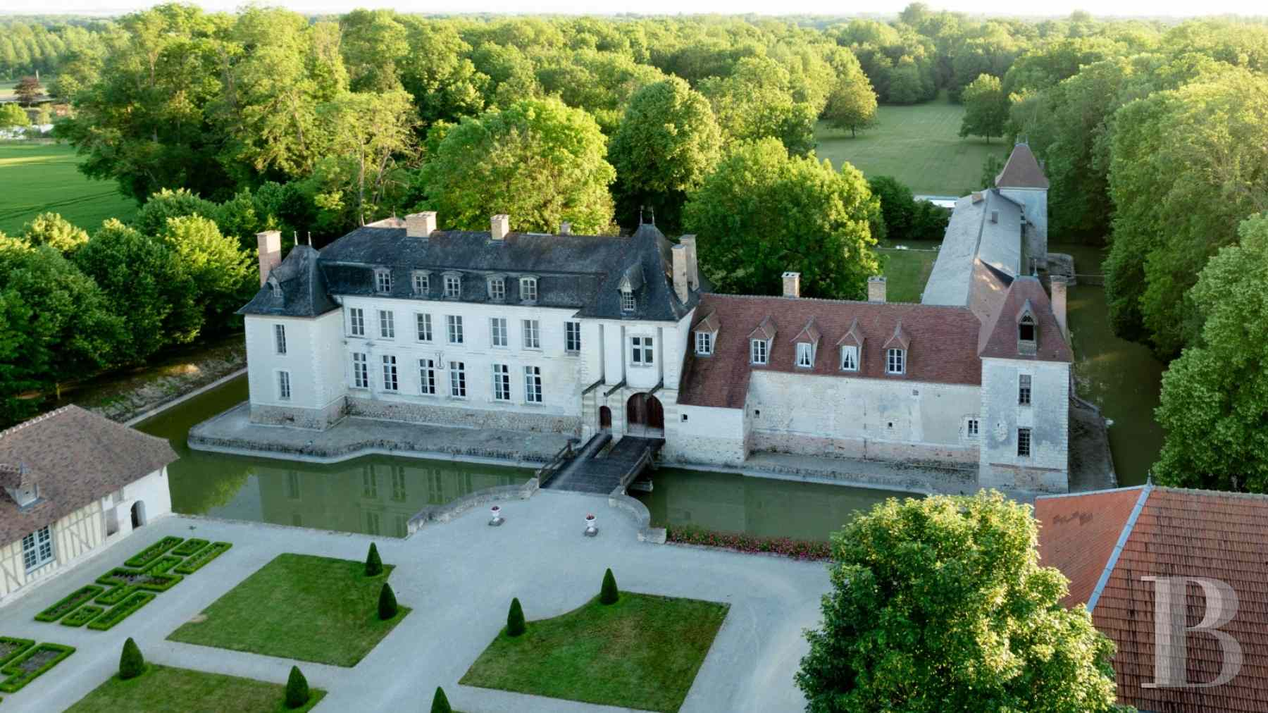 chateaux for sale France champagne ardennes 16th 18th - 2 zoom