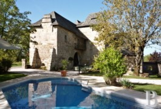 Residences for sale - limousin - Former, 16th century canons� residence- with French MH classification