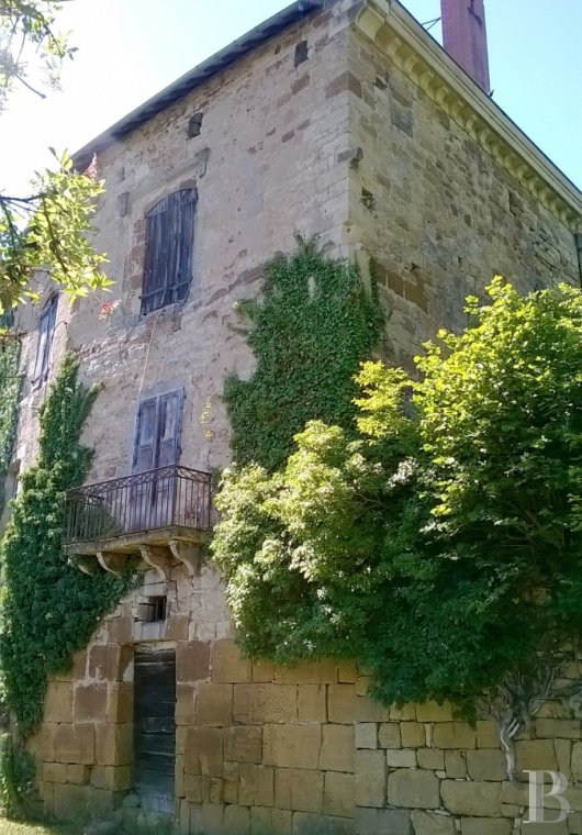 chateaux for sale France midi pyrenees figeac  - 8