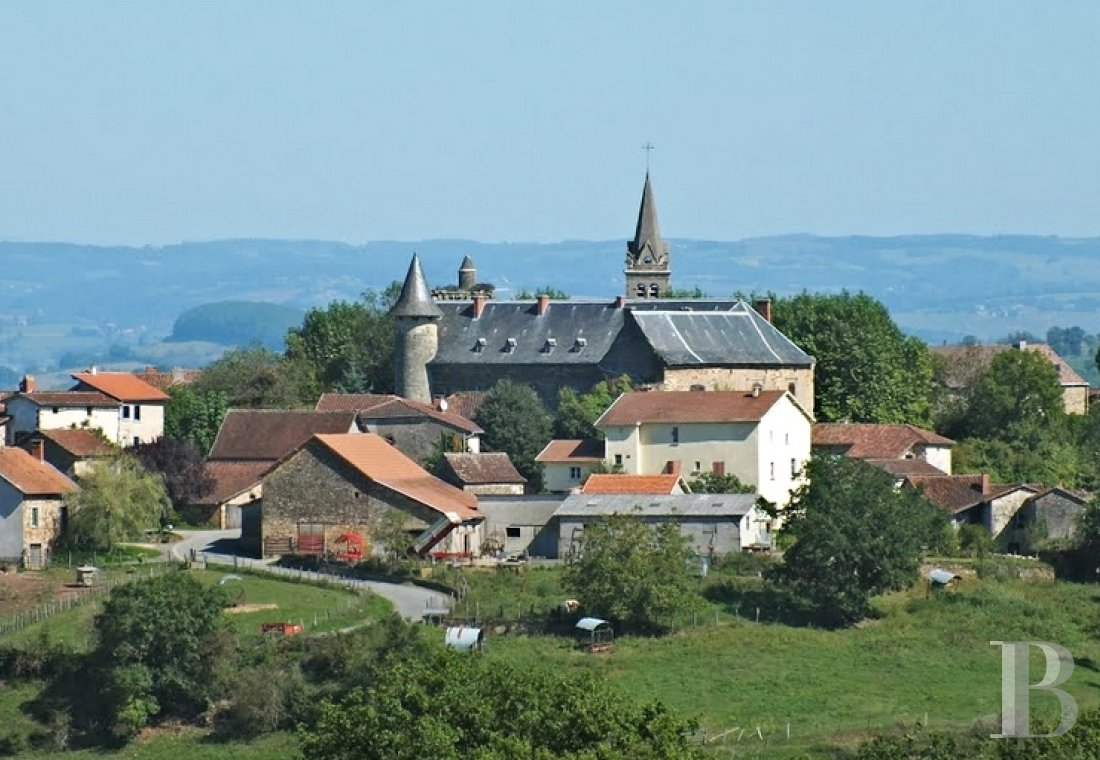 chateaux for sale France midi pyrenees figeac  - 1