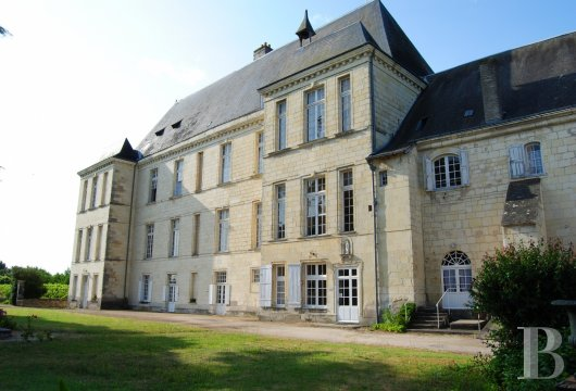 castles for sale France center val de loire   - 14