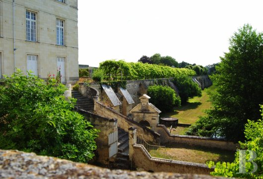 castles for sale France center val de loire   - 29