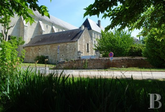 castles for sale France center val de loire   - 35