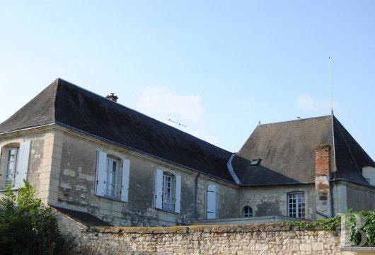 castles for sale France center val de loire   - 36