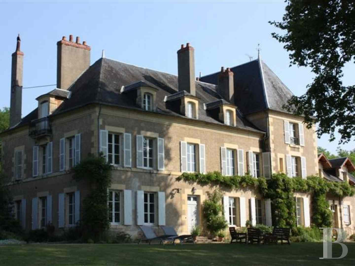 property for sale France burgundy near paris - 1 zoom