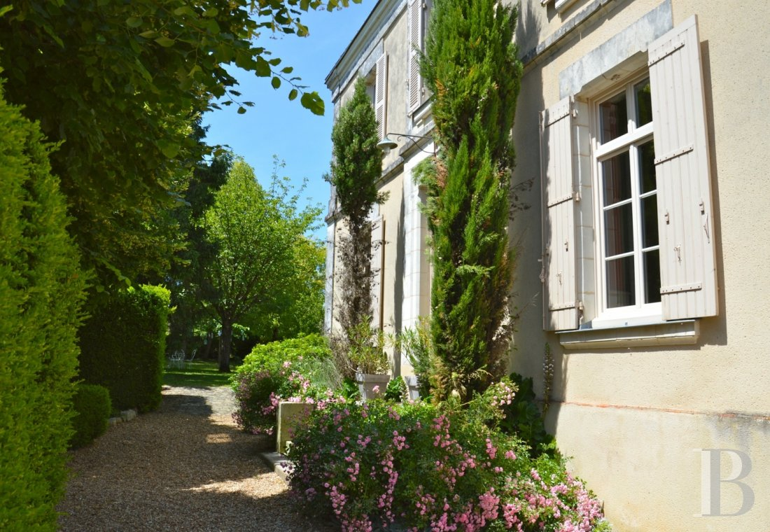 monastery for sale France pays de loire presbytery 18th - 12