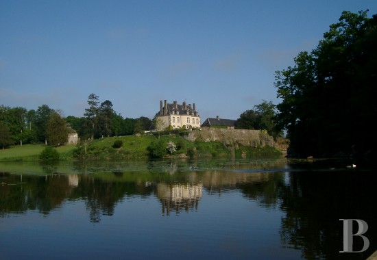 chateaux for sale France brittany malouiniere vestige - 1