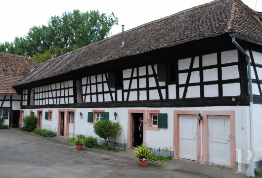 character properties France alsace strasbourg large - 13 mini