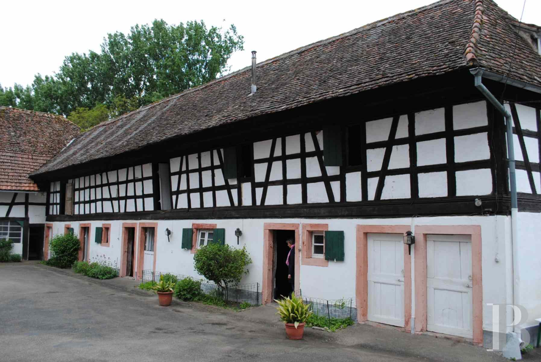 character properties France alsace strasbourg large - 13 zoom