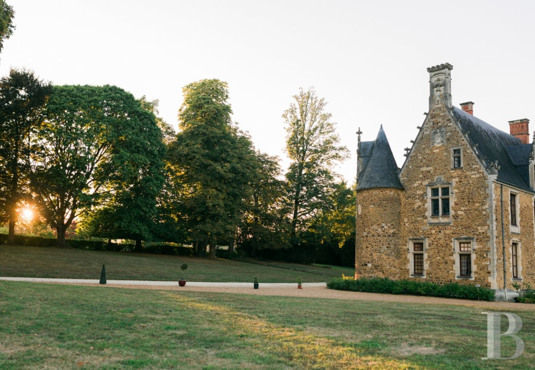 fA family chateau classified as a historic monument on a 400-hectare estate between Le Mans and Ferté-Bernard - photo n°10