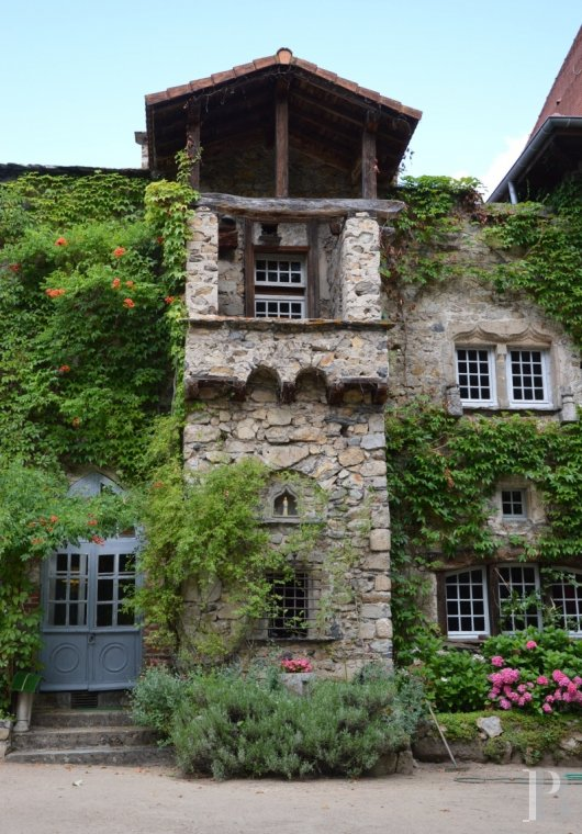 chateaux for sale France auvergne 15th century - 2