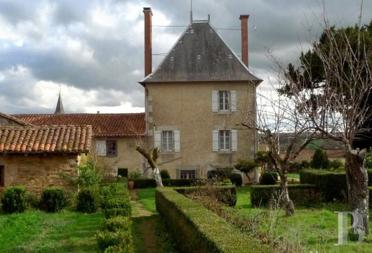 France mansions for sale poitou charentes dwelling 17th - 2