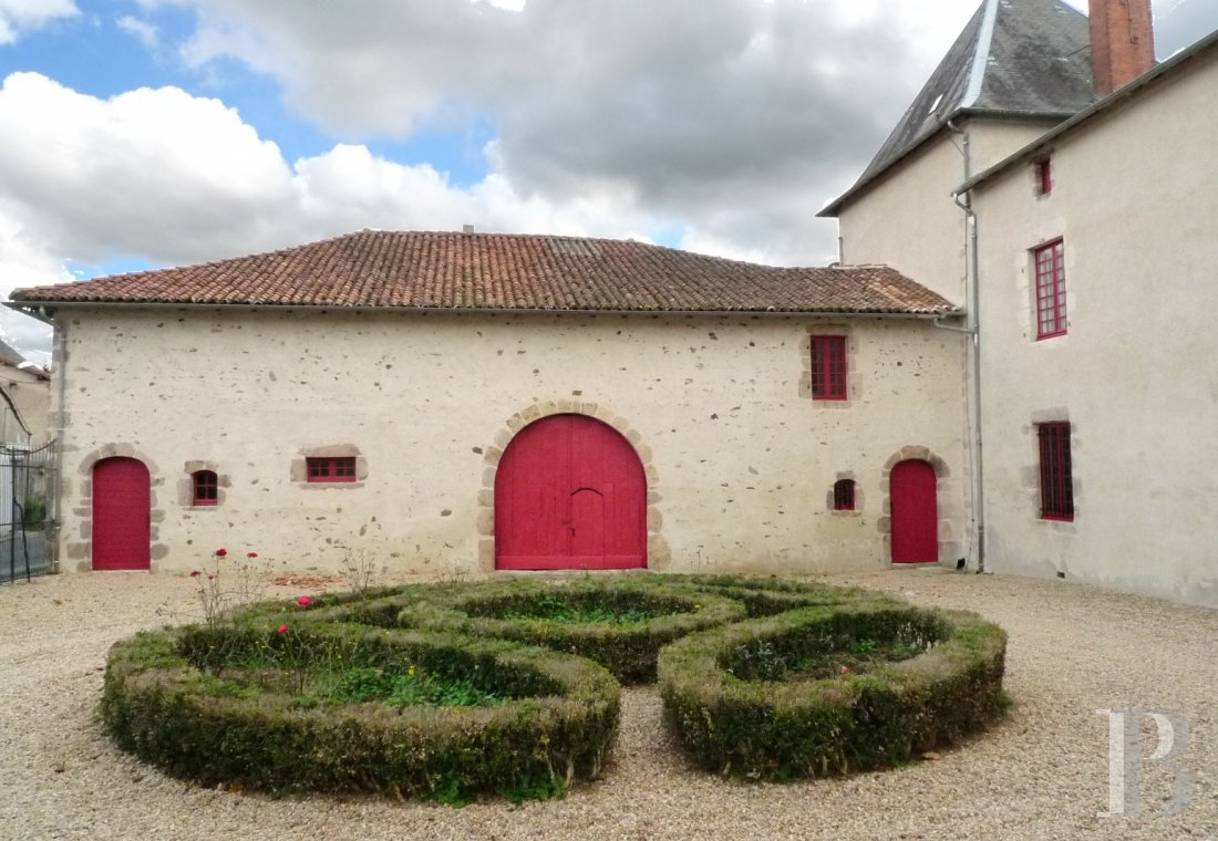 France mansions for sale poitou charentes   - 20