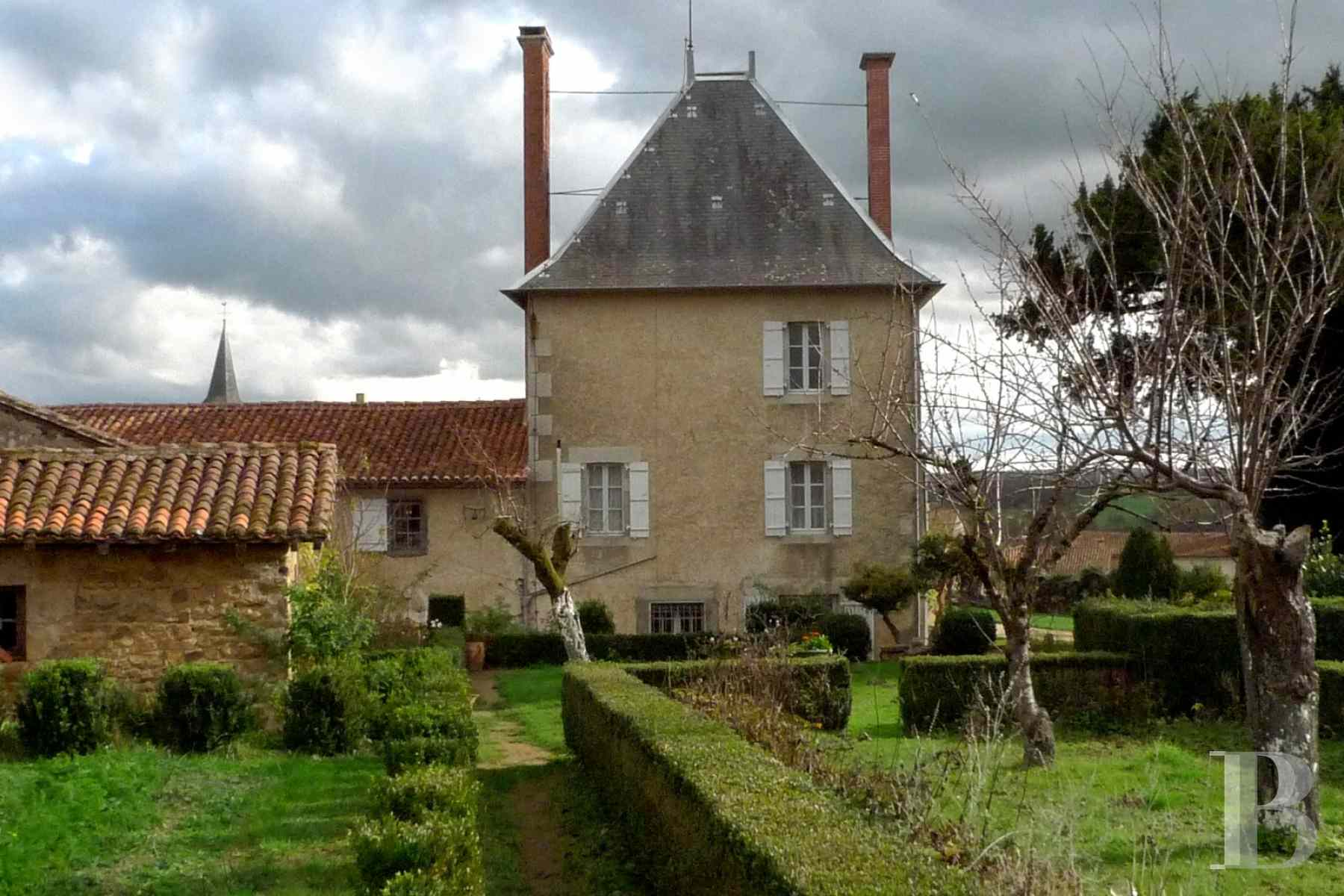 France mansions for sale poitou charentes dwelling 17th - 2 zoom