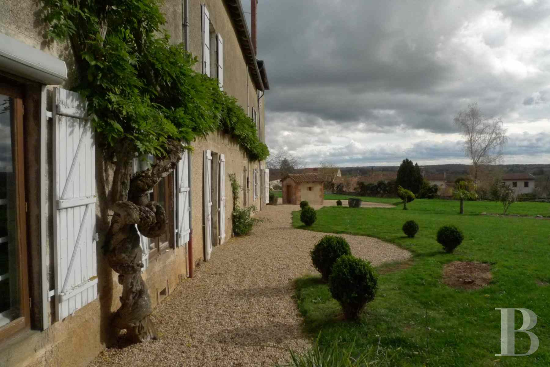 France mansions for sale poitou charentes dwelling 17th - 3 zoom