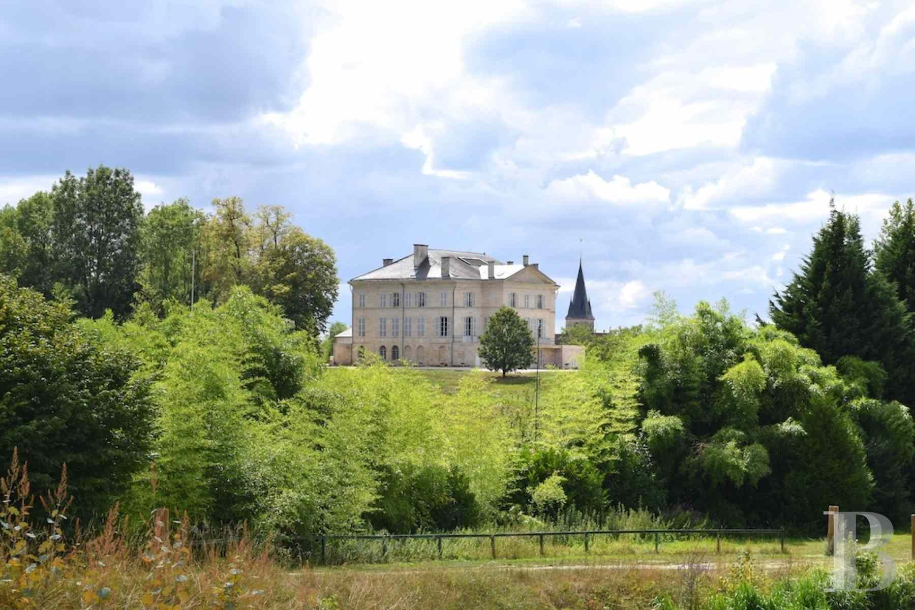 chateaux for sale France champagne ardennes neo palladian - 2 zoom